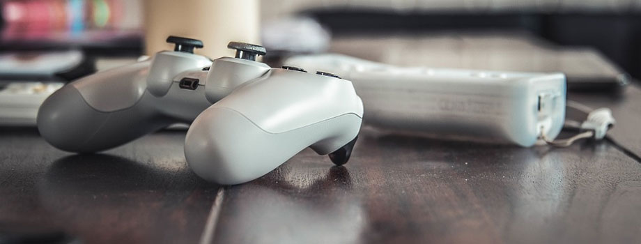 controller table - The End of An Era - Are Offline Games Finally Becoming Extinct