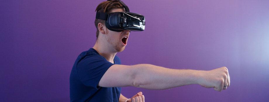 vr gamer 1 - 3 Tendencias que Cambiarán el Futuro de los Videojuegos