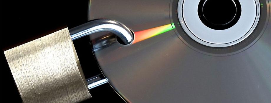 cd lock 1 - 2 Herramientas Para Prevenir El Ataque De Hackers