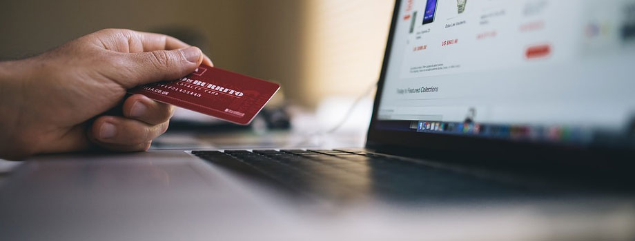 credit card 1 - Seguridad En Línea Para Principiantes: 4 Consejos Que Debes Saber Mientras Navegas En Línea